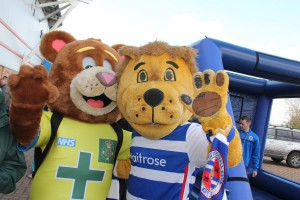999 Ted with Kingsley at Reading FC